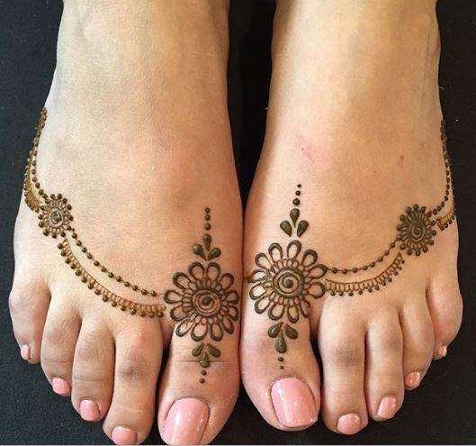 Ornamental mehndi designs 12