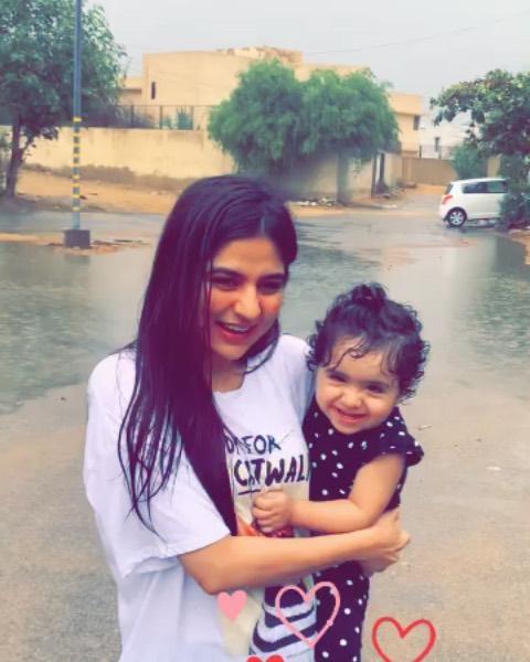 Pakistani Celebrities Enjoying Today's Rain in Karachi 1