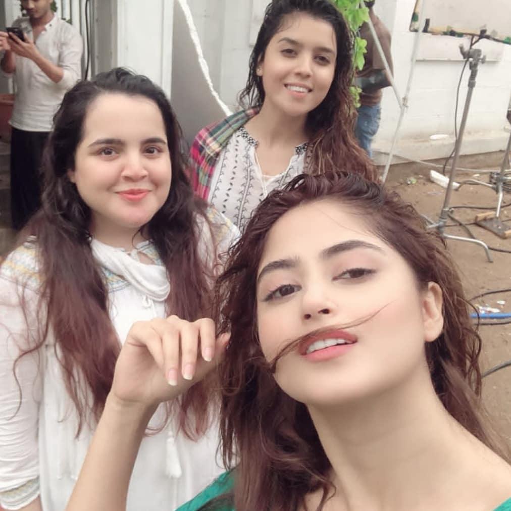 Pakistani Celebrities Enjoying Today's Rain in Karachi 16