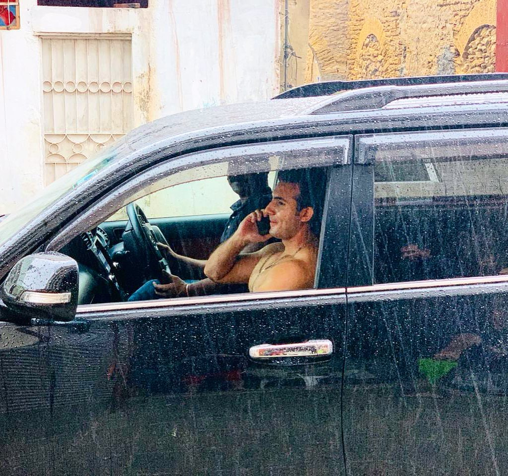 Pakistani Celebrities Enjoying Today's Rain in Karachi 17