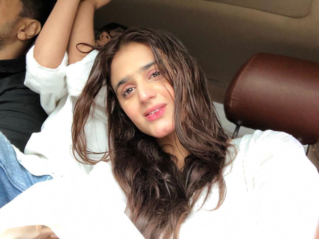 Pakistani Celebrities Enjoying Today's Rain in Karachi 7