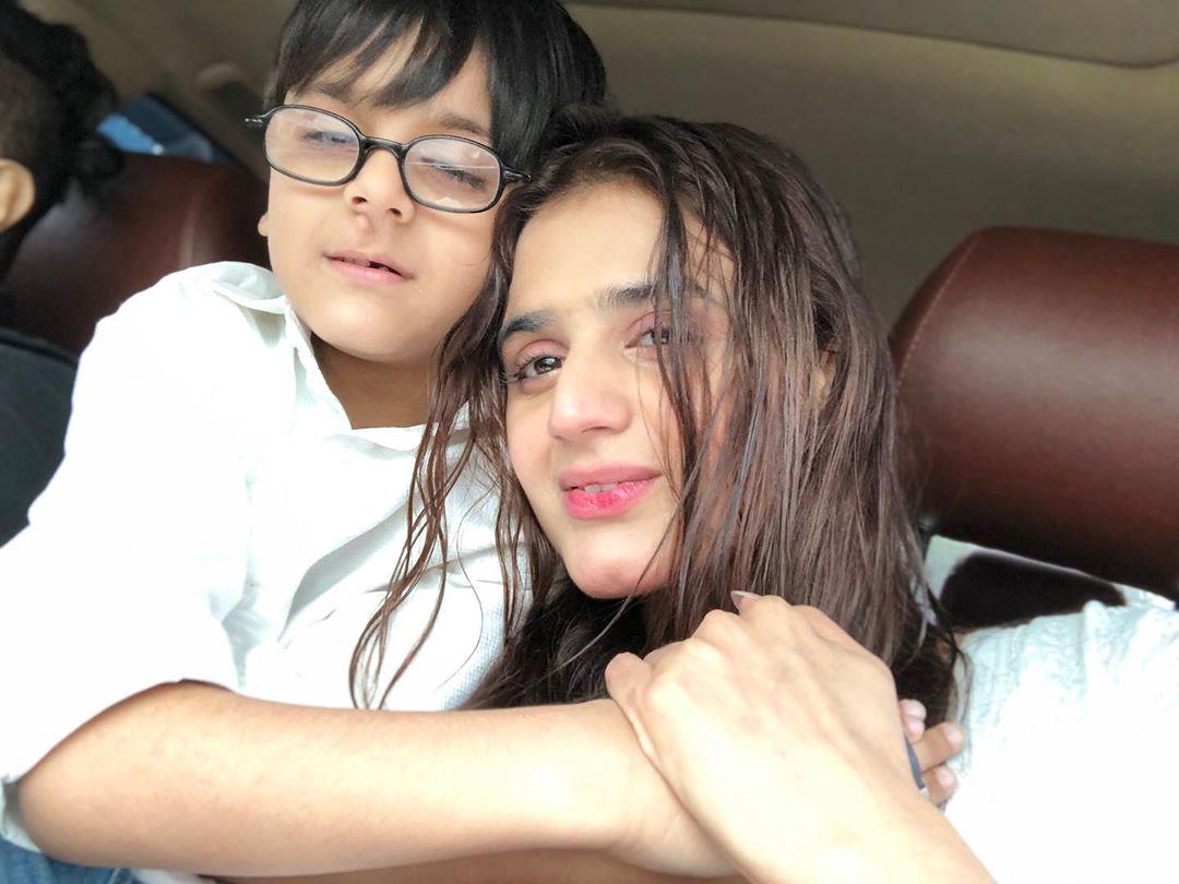 Pakistani Celebrities Enjoying Today's Rain in Karachi 9