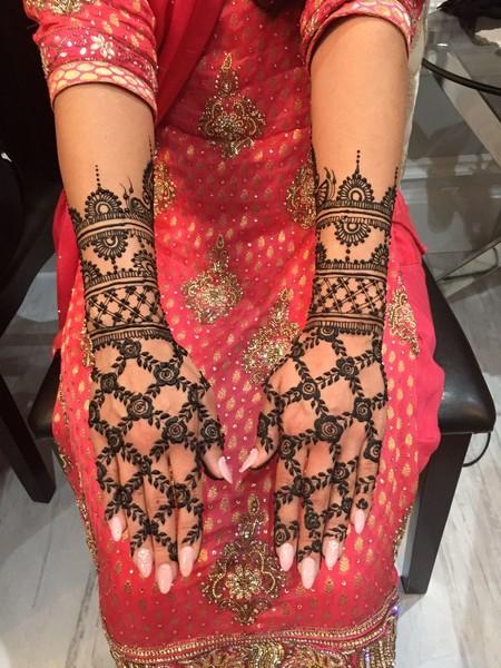 Rosette And Filigree Mehndi Designs 1