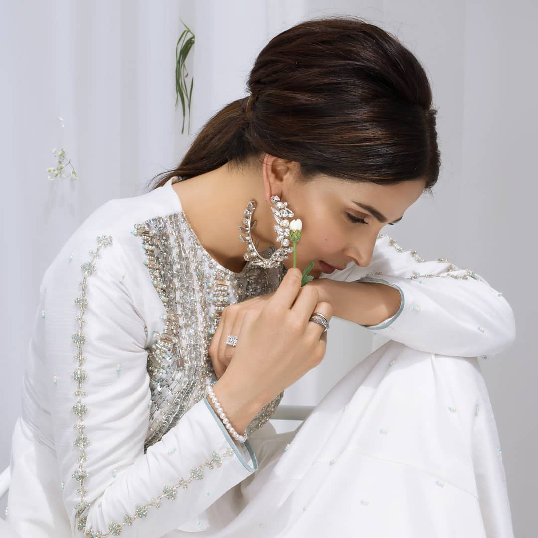 Gorgeous Actress Saba Qamar Sizzles in this Beautiful White Dress