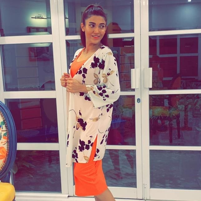 Beautiful Actress Sana Fakhar Hosted Dinner for Friends at Home