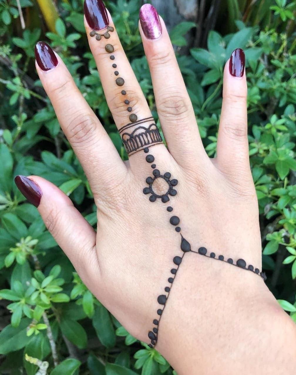 Simple Mehndi Designs 13