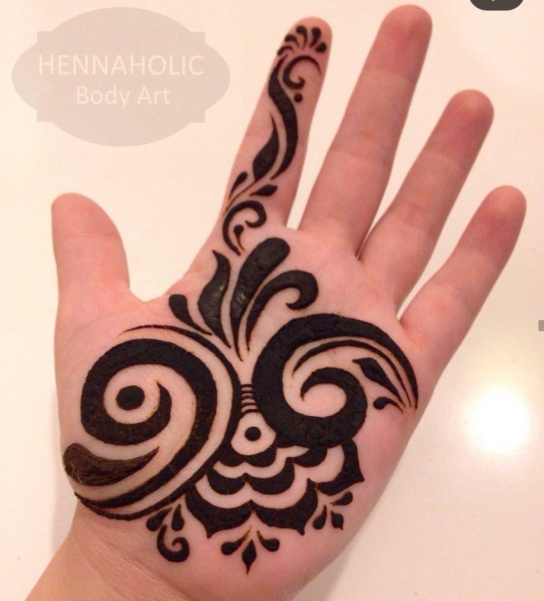 Simple Mehndi Designs 18