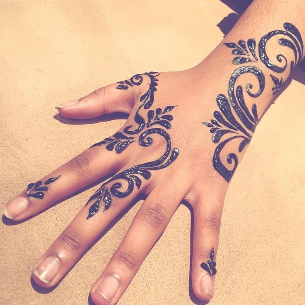 Simple Mehndi Designs 20
