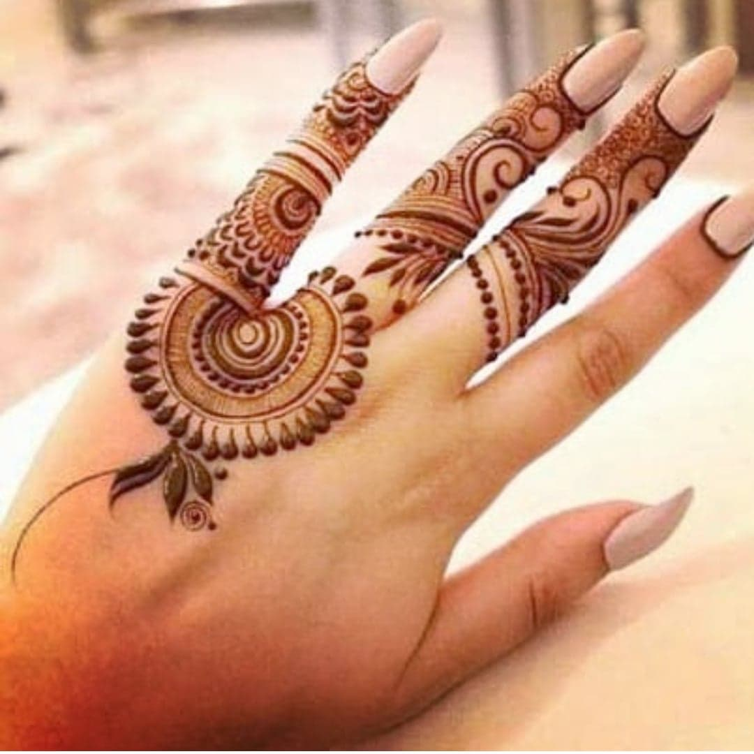 Simple Mehndi Designs 22