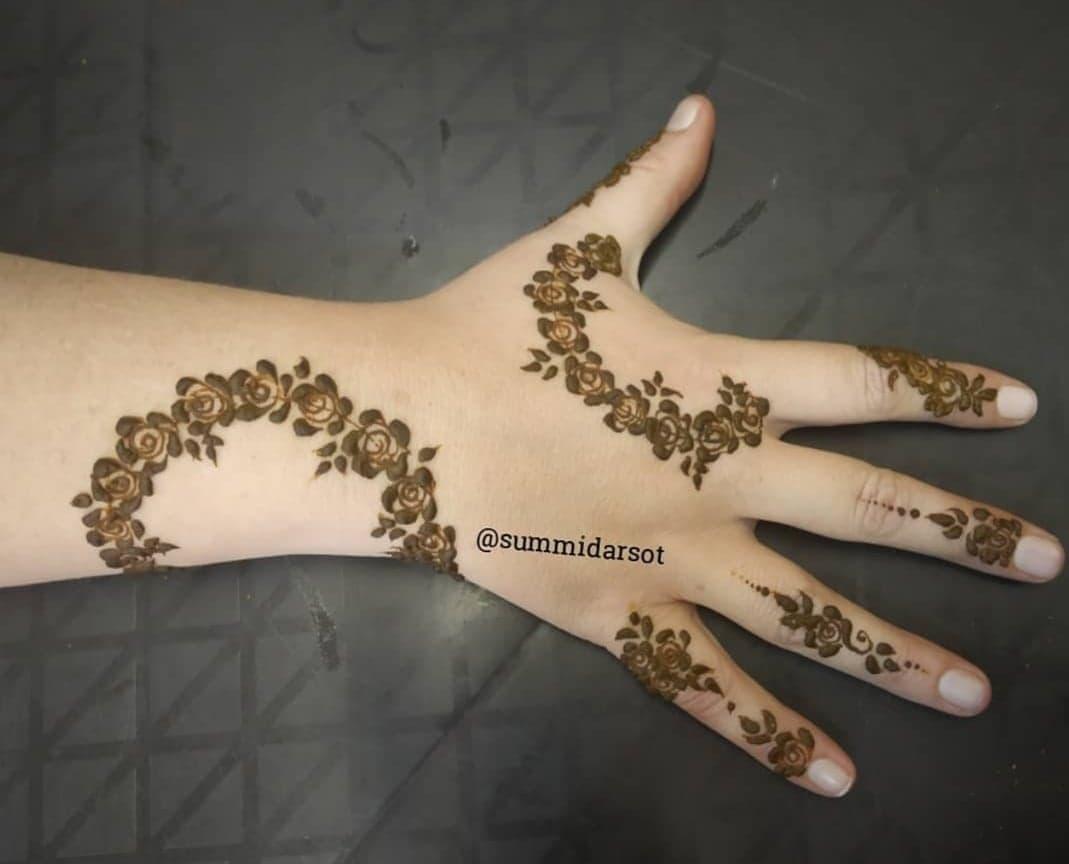 Simple Mehndi Designs 34