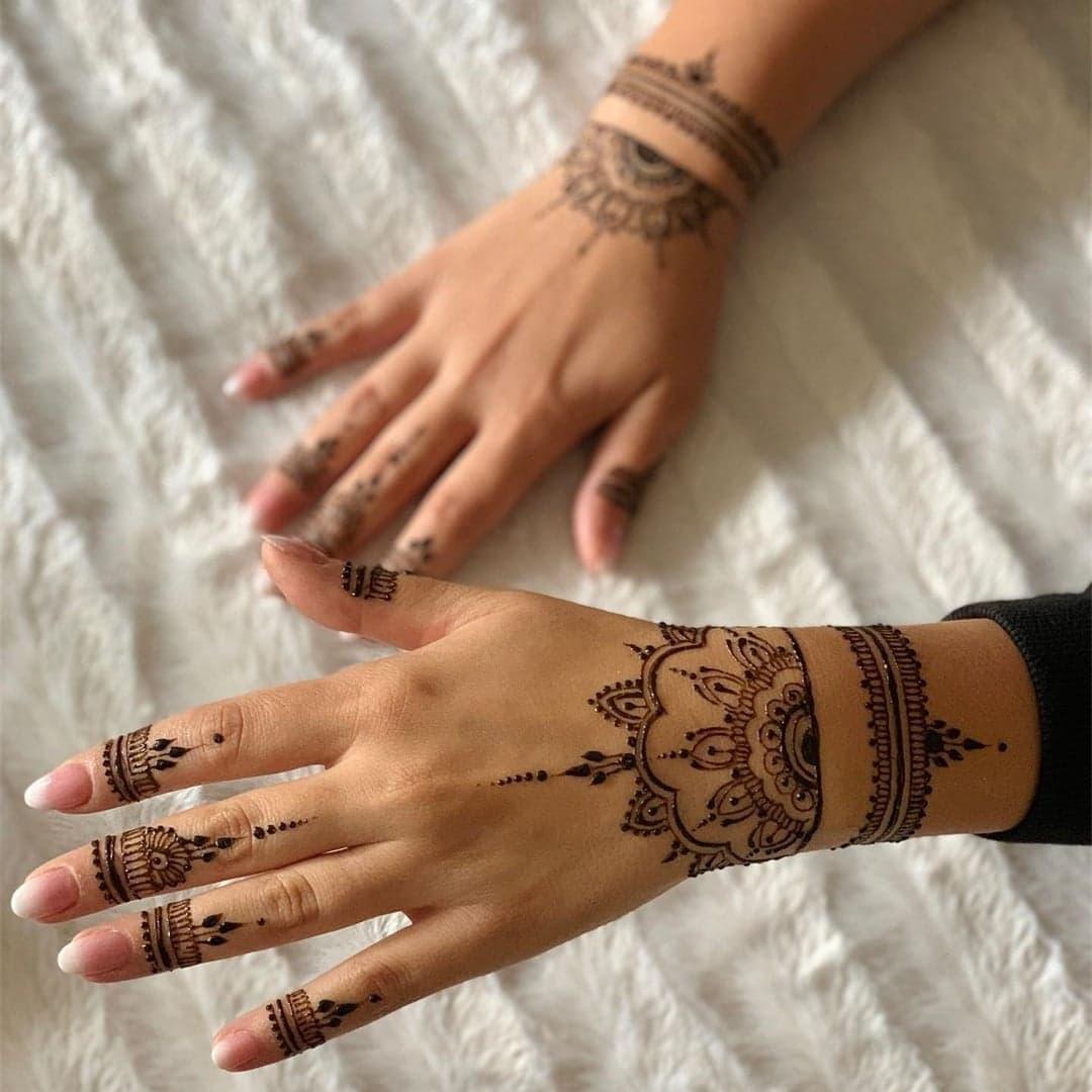 Simple Mehndi Designs 35