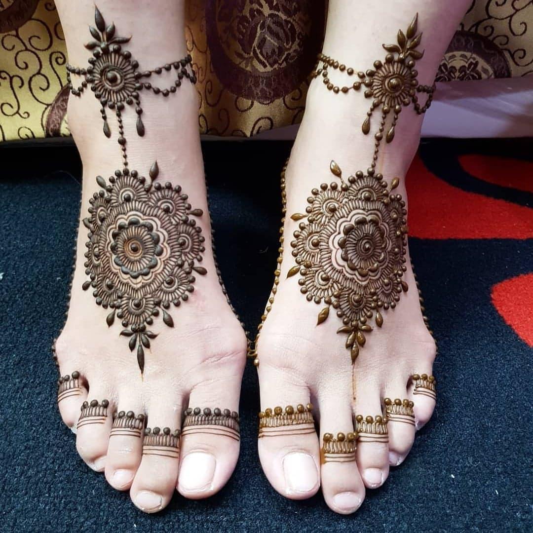 Simple Mehndi Designs 4