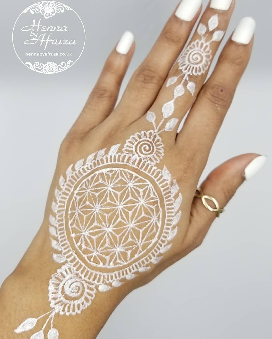 White Mehndi Designs 4
