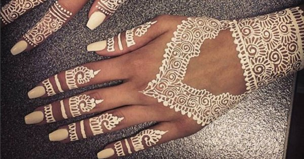 White Mehndi Designs 6