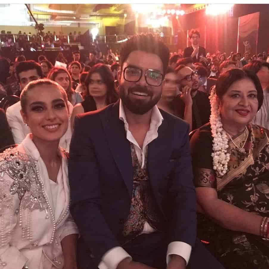 Yasir Hussain and Iqra Aziz Pictures (7)