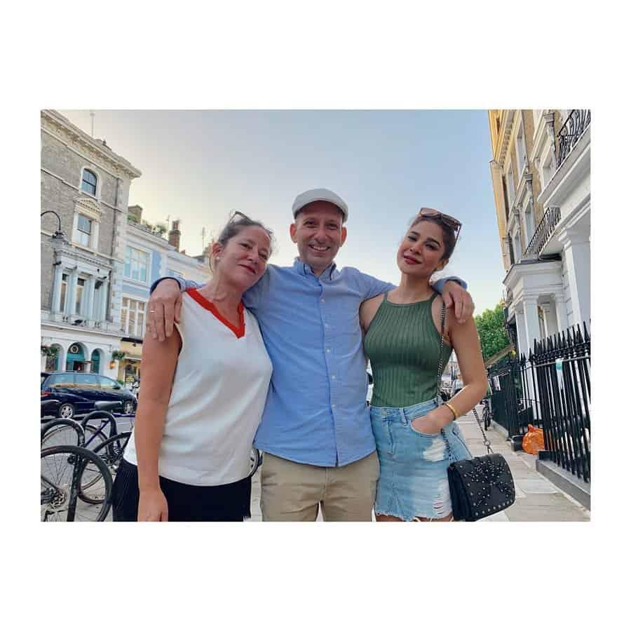 Ayesha Omar Enjoying Vacations in London