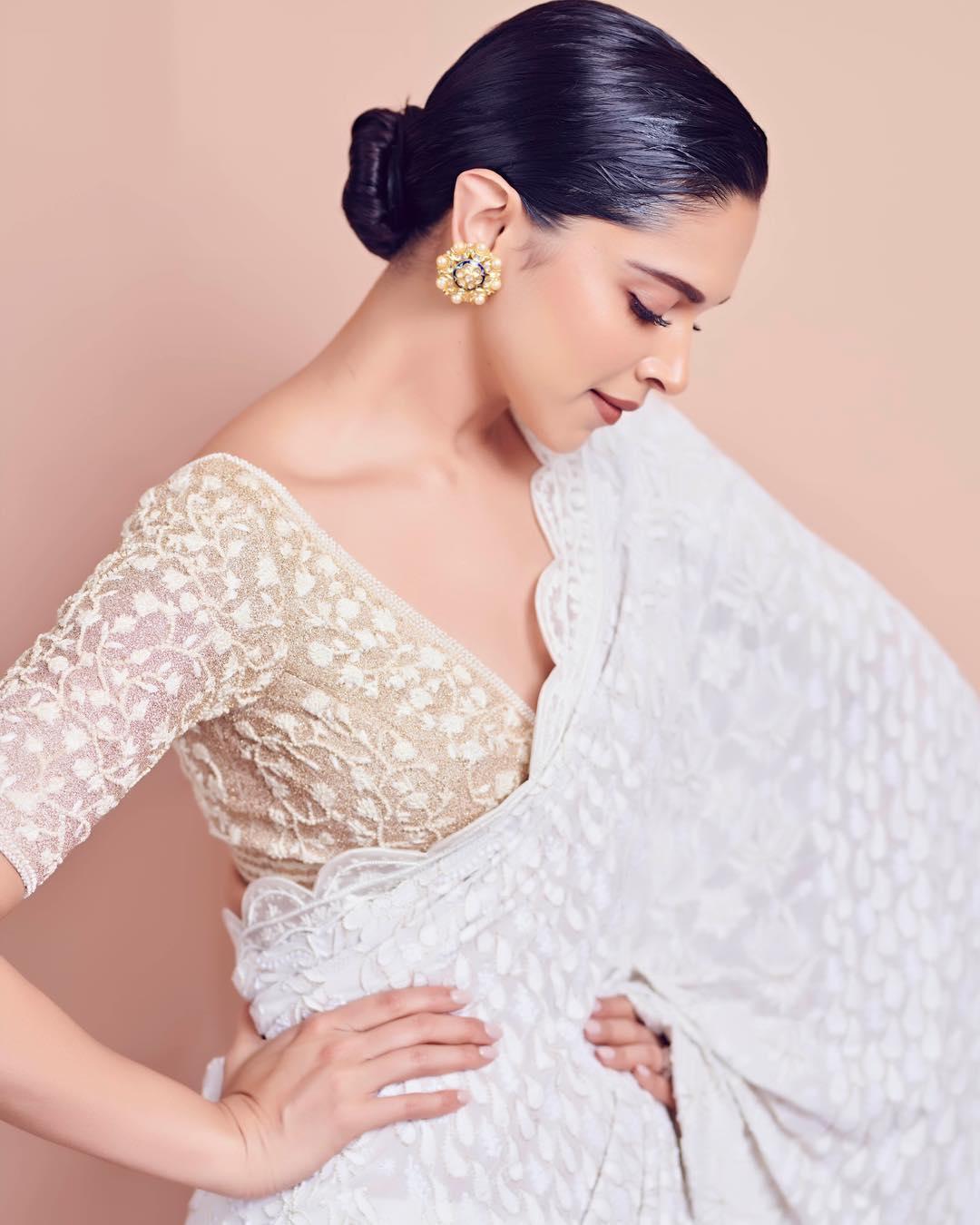 Deepika in saree 883333