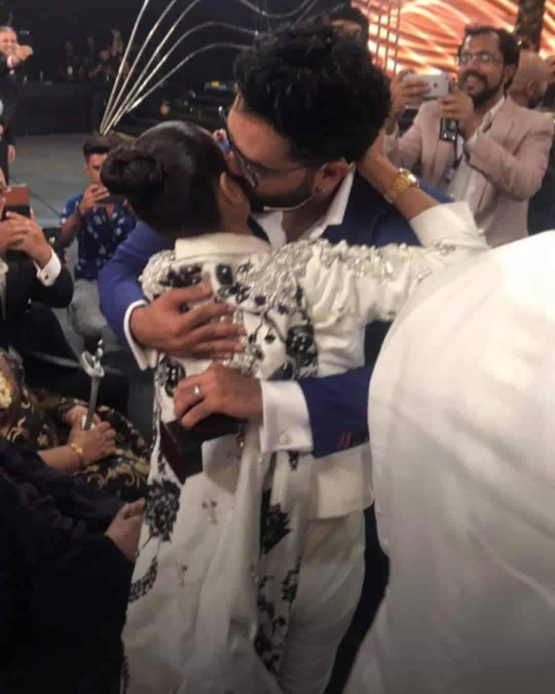 Iqra aziz and yasir hussain engaged 2