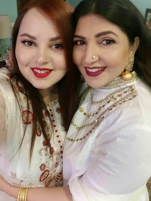 Latest Clicks of Shagufta Ijaz with her Beautiful Daughters