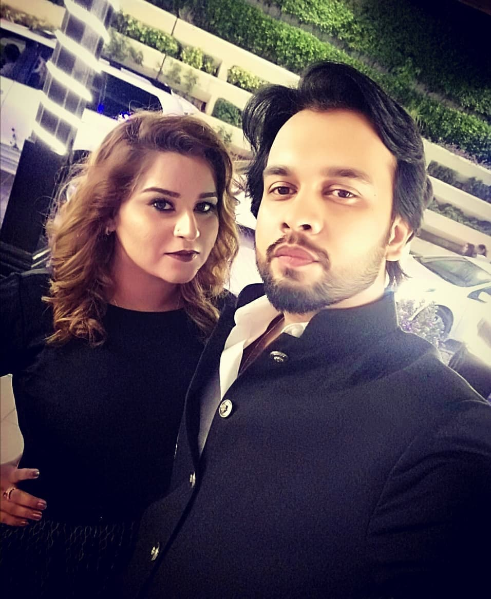 Beautiful Pictures of Actor Imran Aslam with his Family