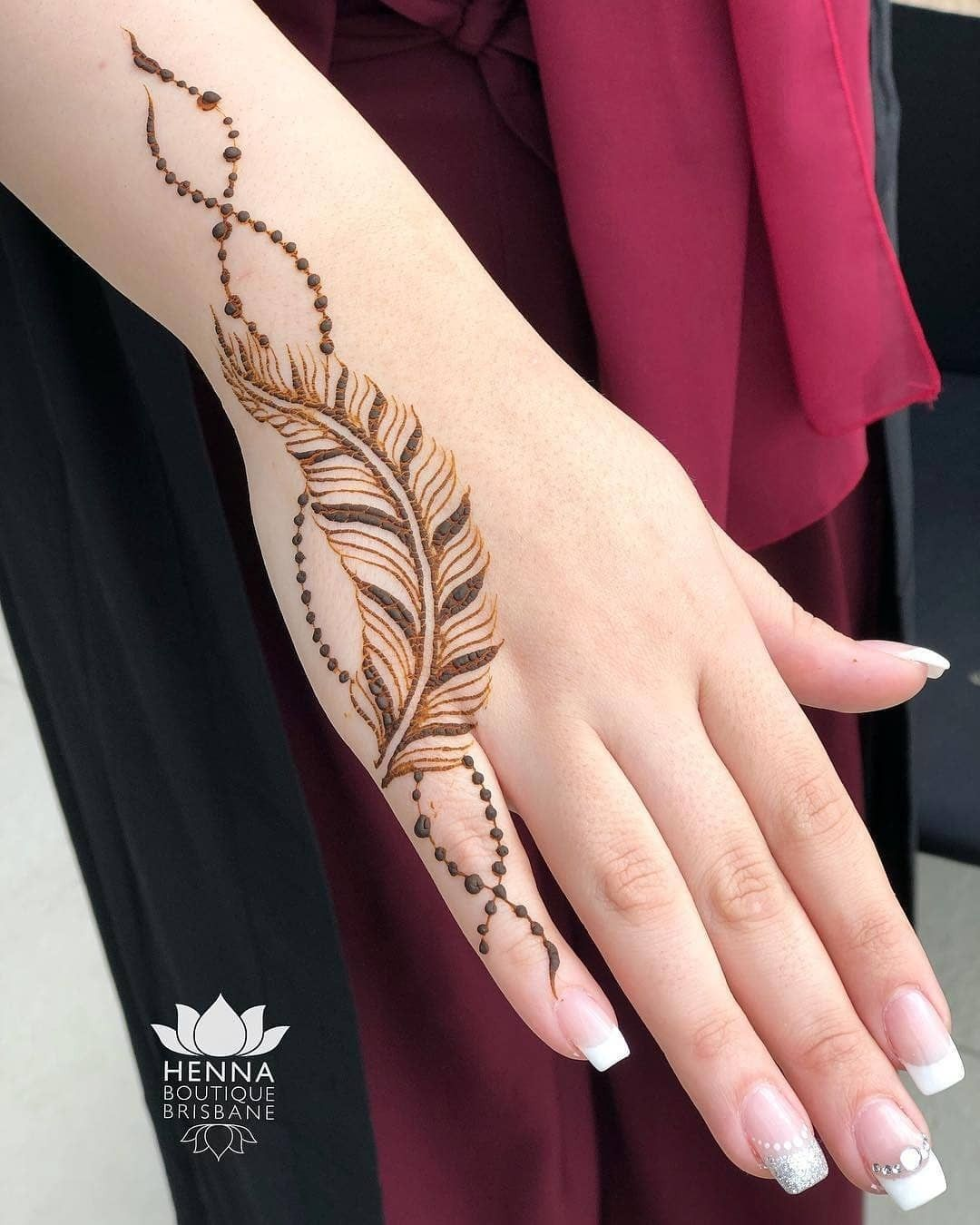 minimalistic Mehndi Design 19