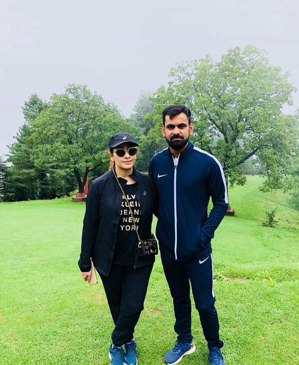Mohammad hafeez and wife family 32