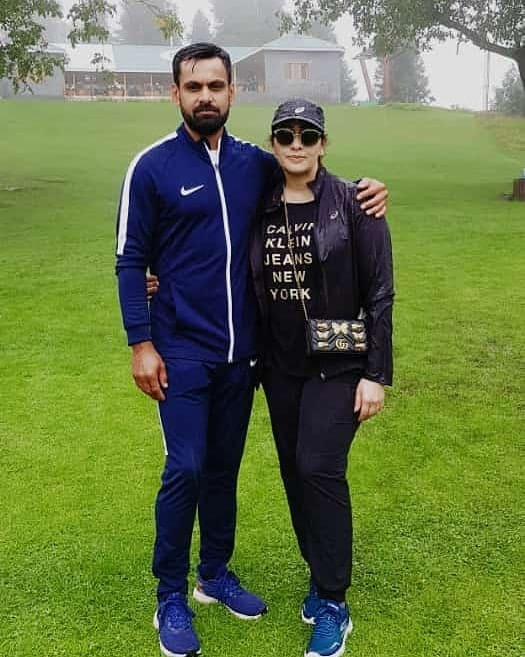 Mohammad hafeez and wife family 30