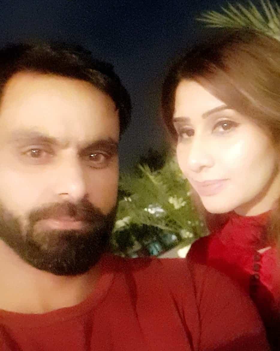 Mohammad Hafeez with His Wife and Kids (Exclusive Pictures)