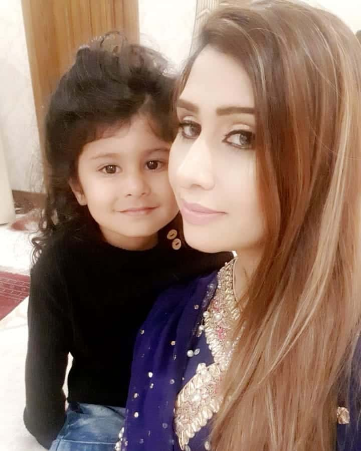 Mohammad Hafeez Wife and Family 21