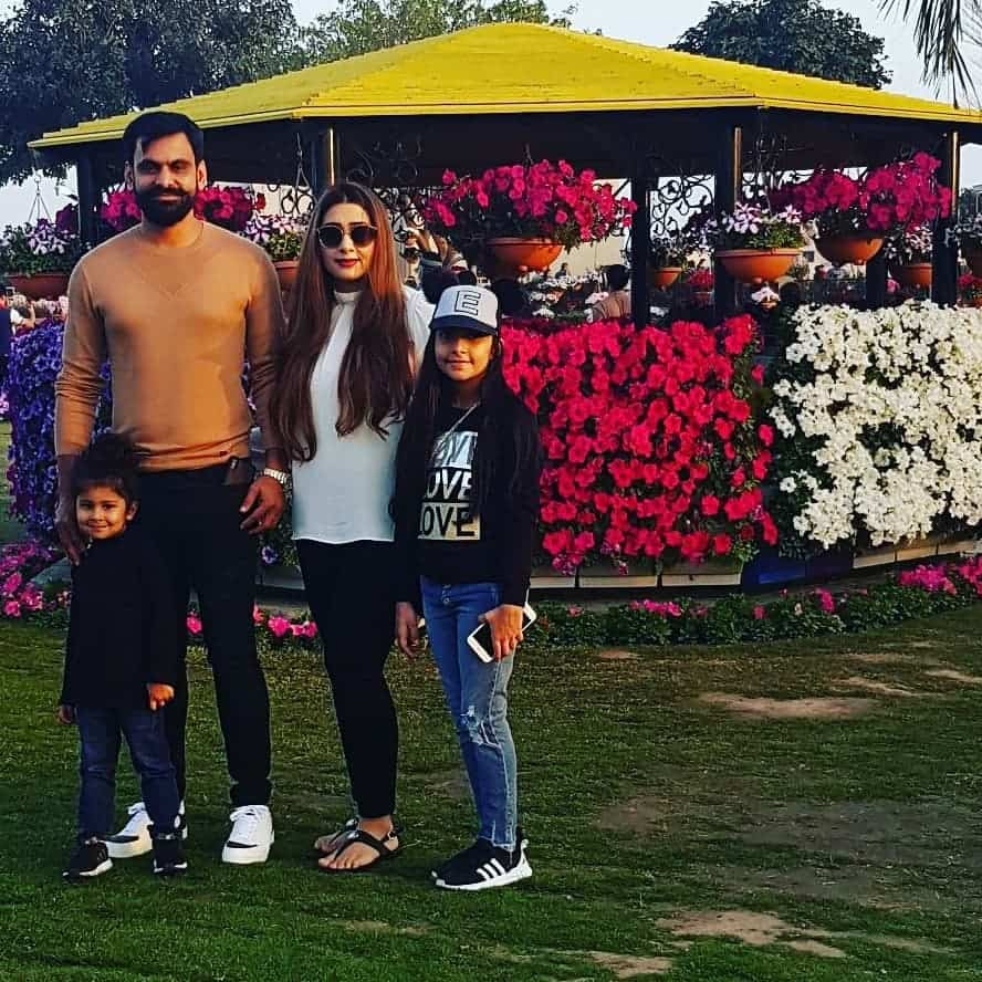 Mohammad Hafeez Wife and Family 19