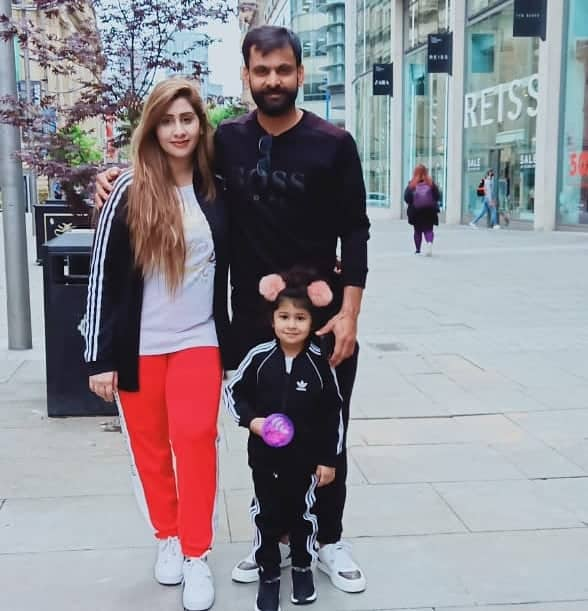 Mohammad Hafeez Wife and Family 6
