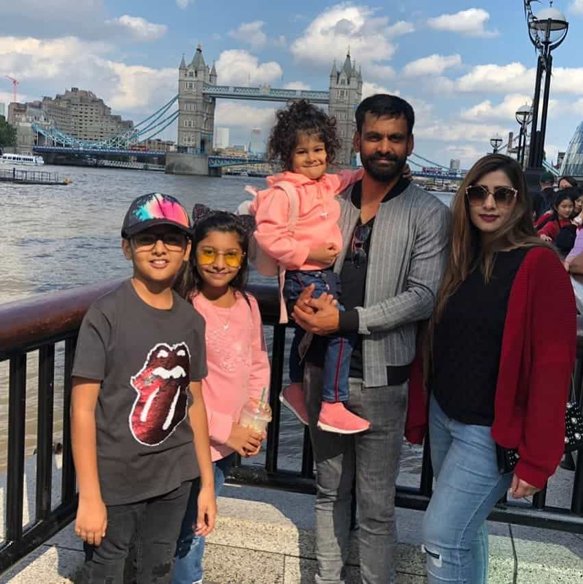 Mohammad hafeez and wife family 37