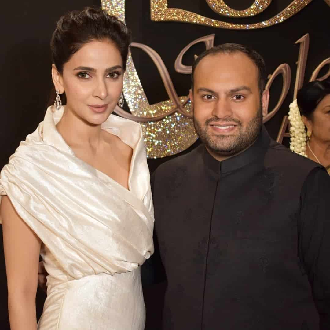 Beautiful Saba Qamar Last Night at Lux Style Awards 2019 | Reviewit pk