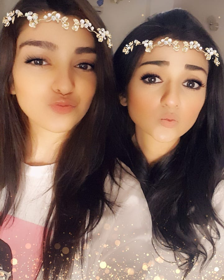 Actress Sarah Khan Celebrated Birthday with her Sisters Noor Khan and Ayesha Khan