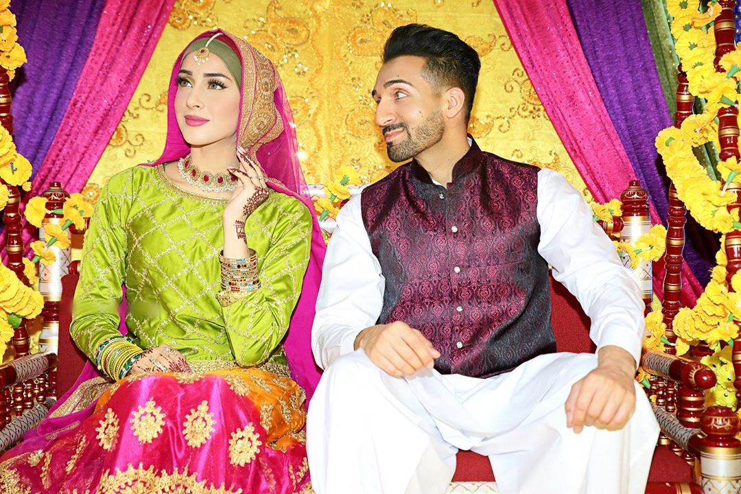 Mehndi Wedding Pictures Of Vloggers Sham Idrees And Sehar Reviewit Pk