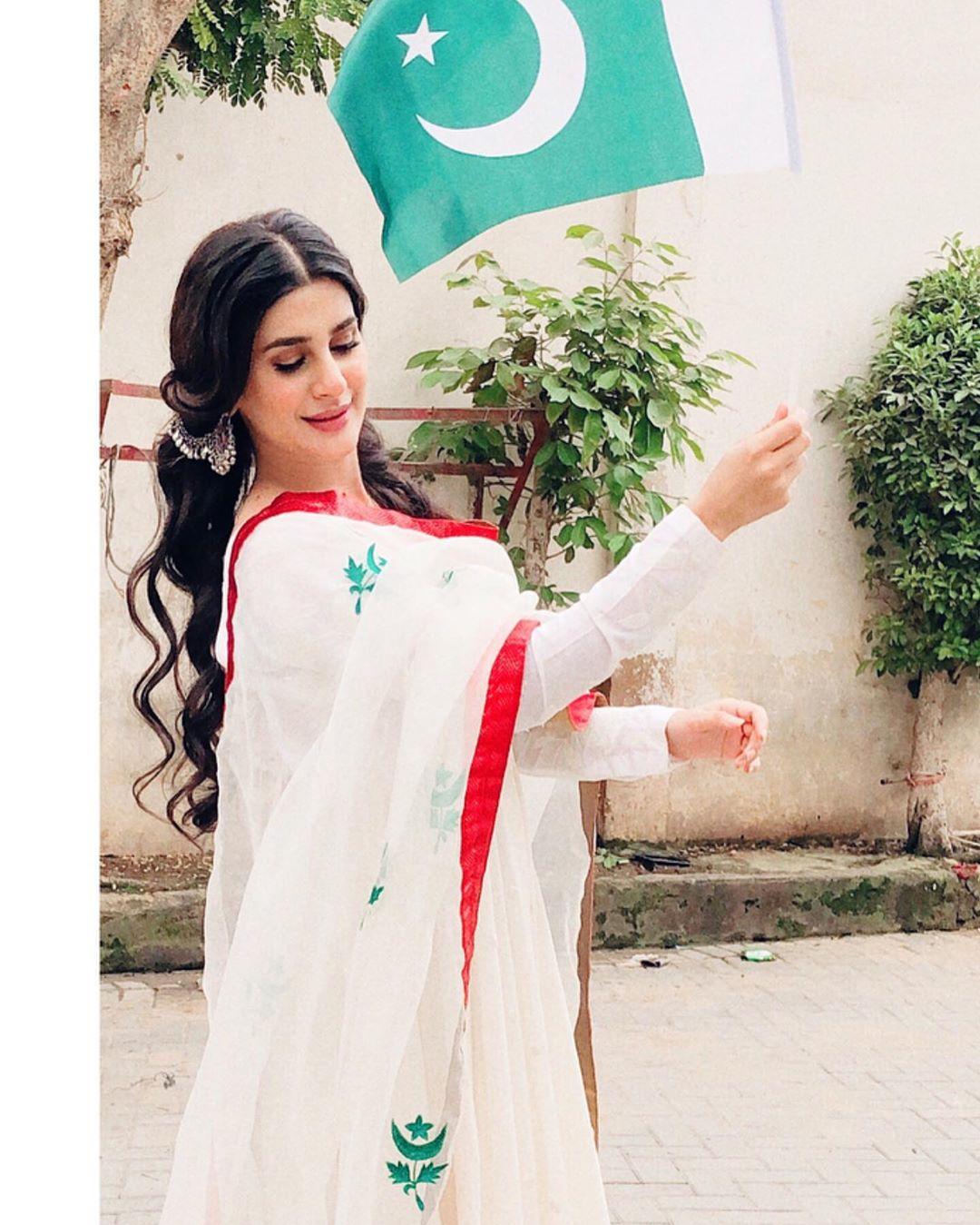 Celebrities on azadi 2019 16