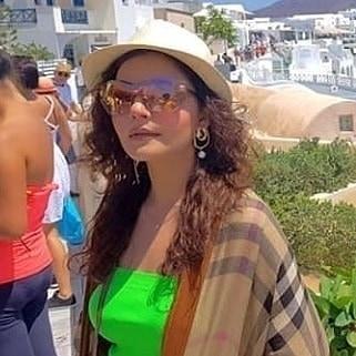 Nida Yasir Nawaz Greece 7