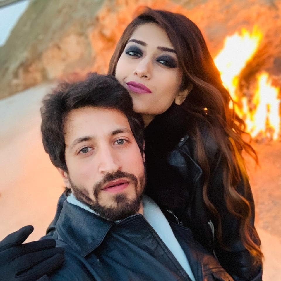 Salman Faisal with Wife 9