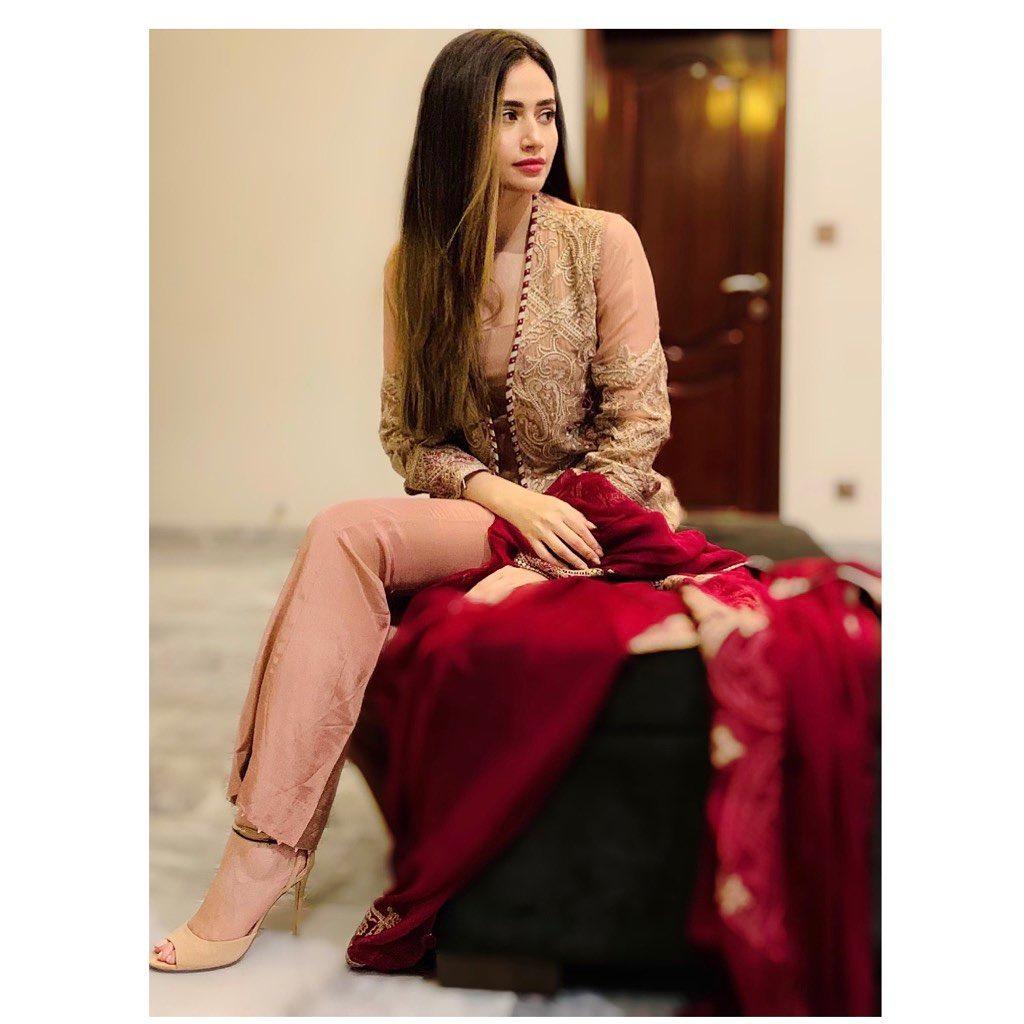 Sana Javed 3