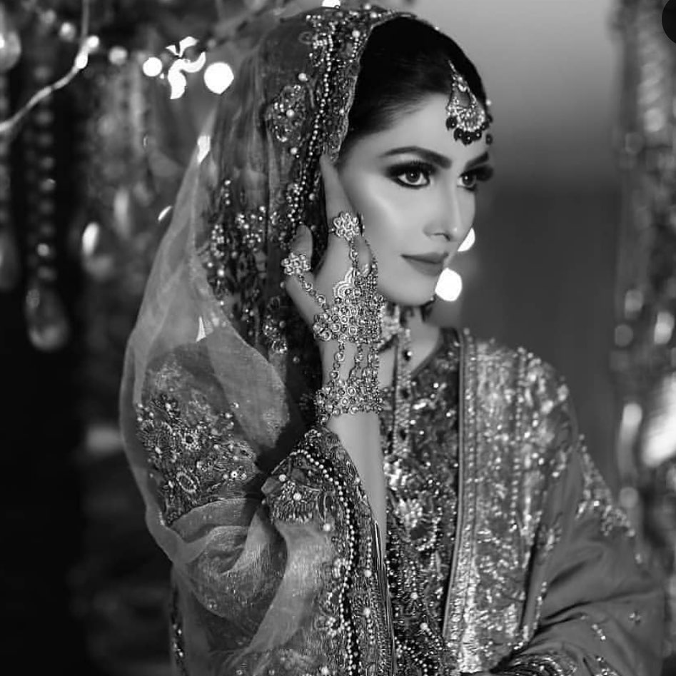 Ayeza Khan 8