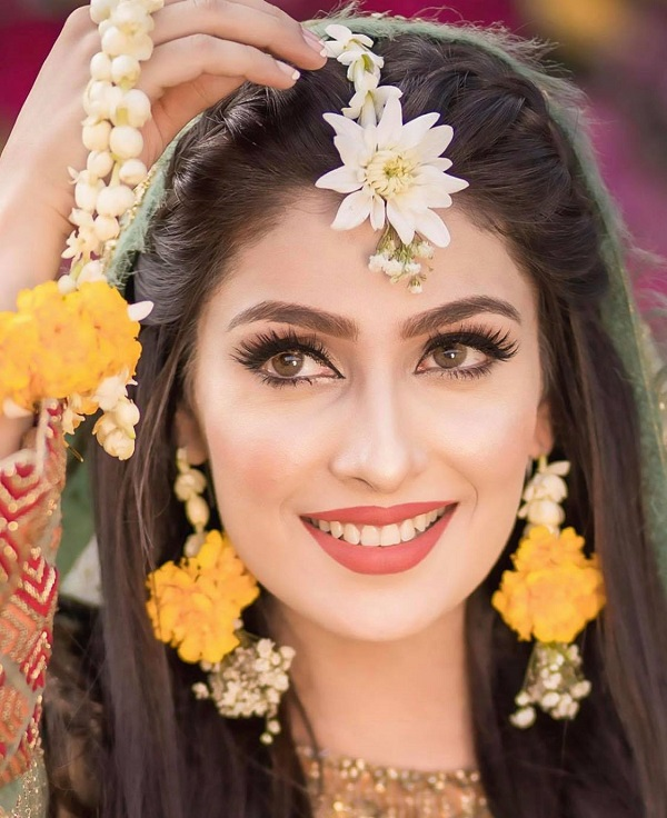 Ayeza Khan\u0027s Best Makeup Looks , Top 5