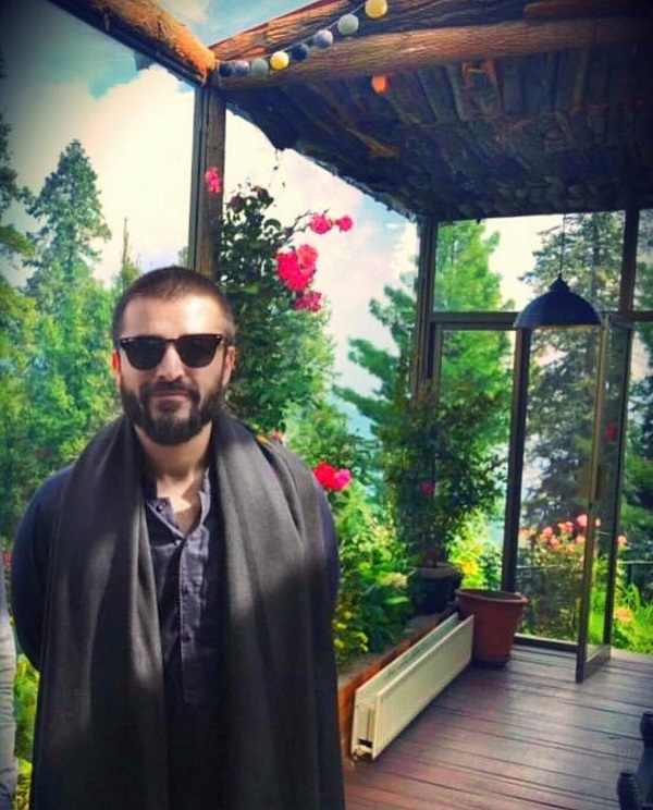 Hamza Ali Abbasi and Naimal Khawar's Honeymoon Pictures