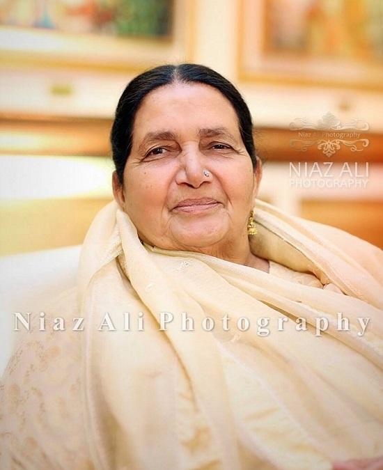 Hamza Ali Abbasis mother