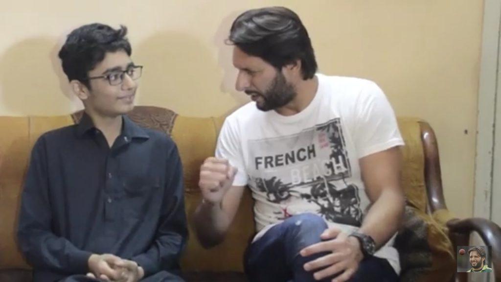 Shahid Afridi Met His Biggest Fan