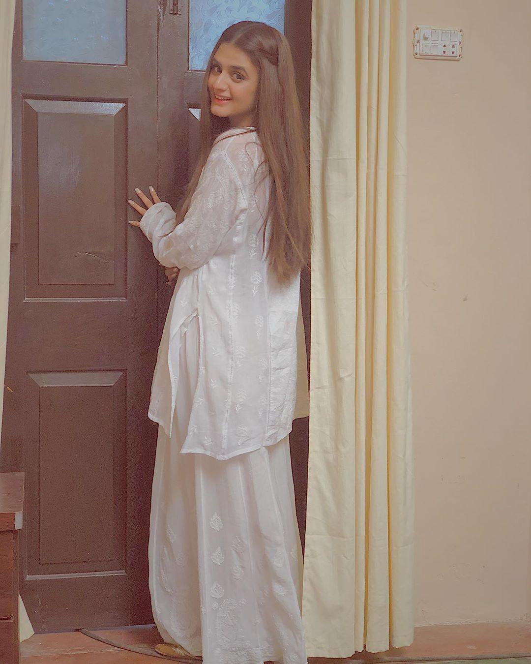 Latest Clicks of Actress Hira Mani 12
