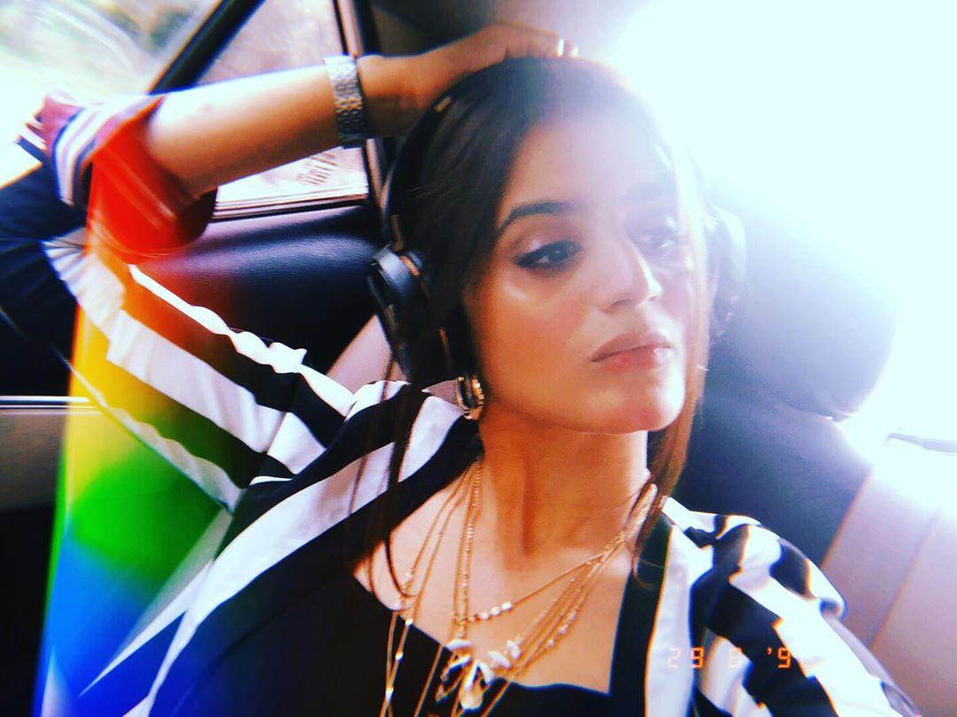 Latest Clicks of Actress Hira Mani 13
