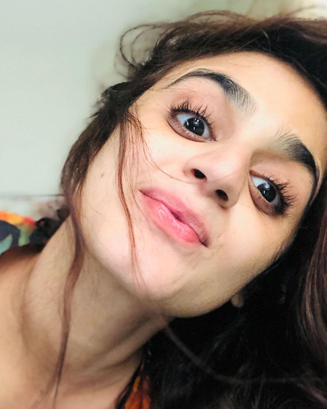 Latest Clicks of Actress Hira Mani 7