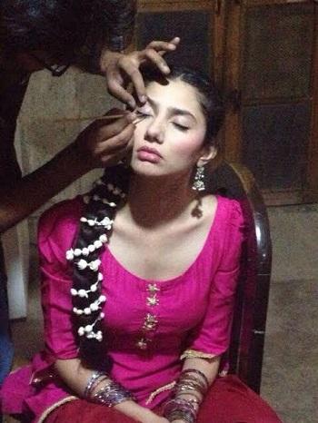 Mahira Khan 3