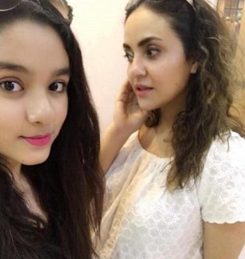 Nadia Khan daughter1