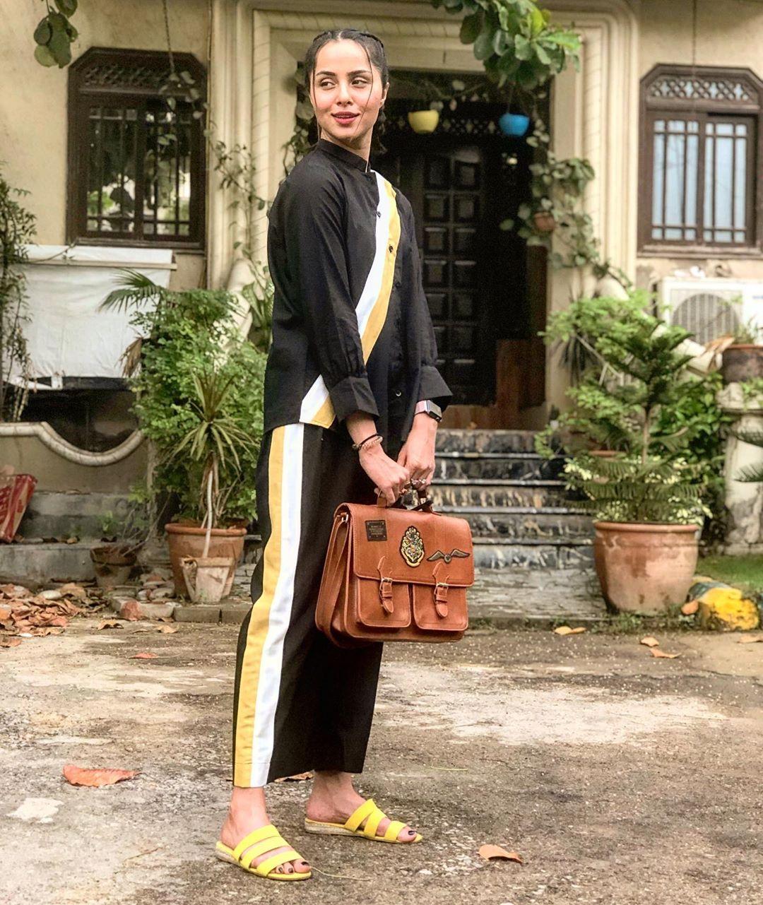 Beautiful Clicks of Gorgeous Actress Nimra Khan